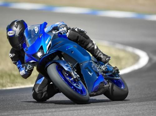 2021 Yamaha YZF-R7. Opis, zdjęcia, dane techniczne