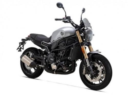 Motocykl Benelli Leoncino 800 jeszcze nie trafił do Polski, ale już ma nowy silnik