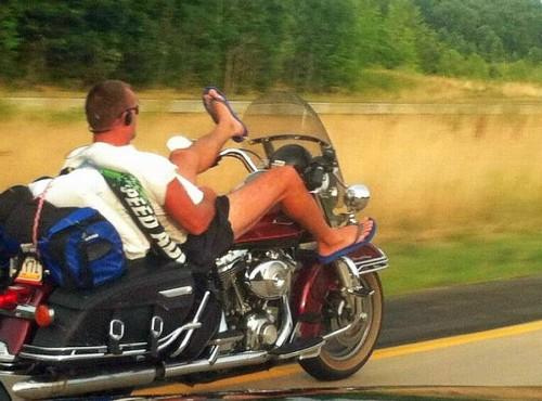 Dlaczego ludzie nie lubią motocyklistów? Oto siedem ważnych powodów