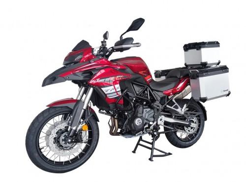 Motocykl turystyczny Benelli TRK 702 dostał homologację w Chinach