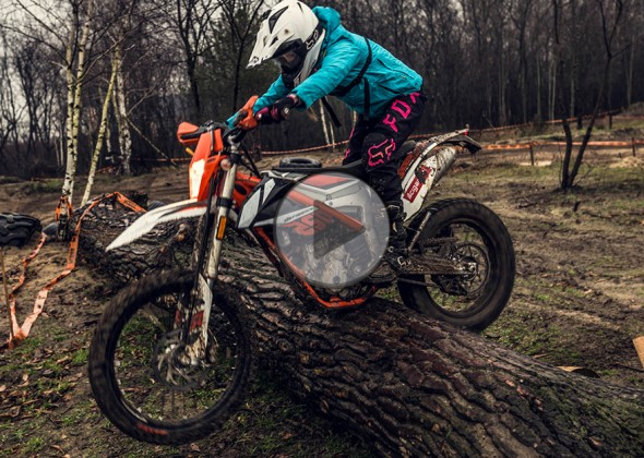 KTM Freeride 250 F - zimowy, mokry i błotny test video