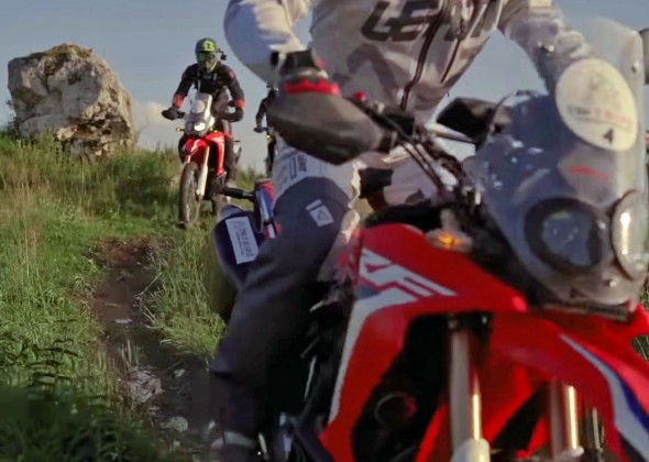 Gdzie motocyklem na weekend? Jura Krakowsko-Częstochowska po szutrach [FILM]