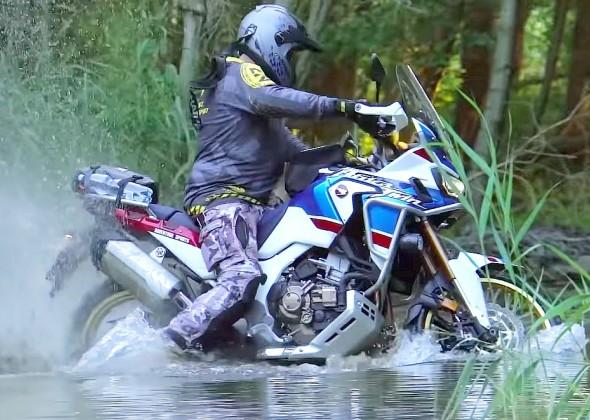 Co to jest motocykl wyprawowy? Jakie motocykle warto wybrać do jazdy Adventure? Kompendium wiedzy Łowców Niewygód