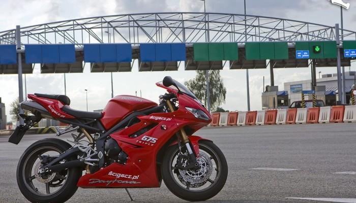 Motocykliści blokują autostradę A4?