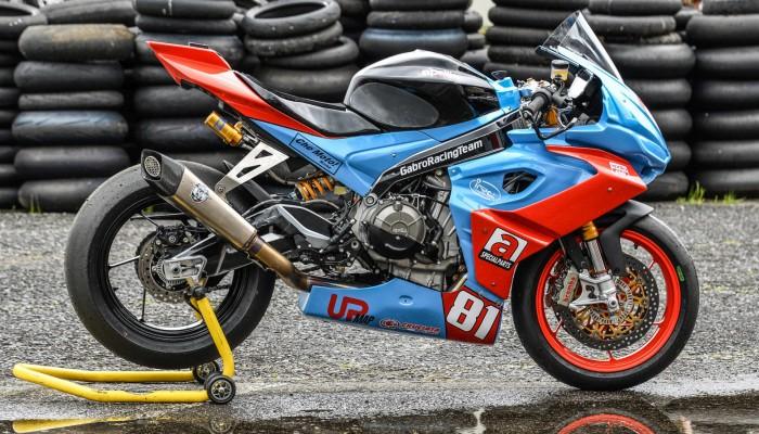 10 Aprilia RS660 Gabro Racing Team z