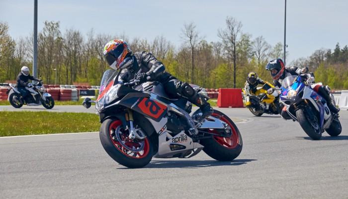 Tor Modlin idealne miejsce dla kazdego motocyklisty z
