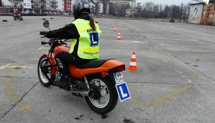 Kobieta na motocyklu - pierwsze kroki