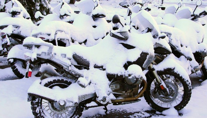 Utul swój motocykl do zimowego snu w 60 minut