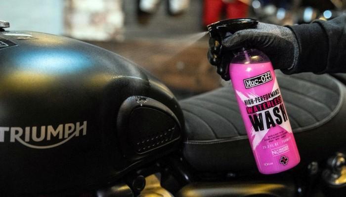 Muc-Off: co to jest? Szalona, innowacyjna i piekielnie skuteczna chemia motocyklowa