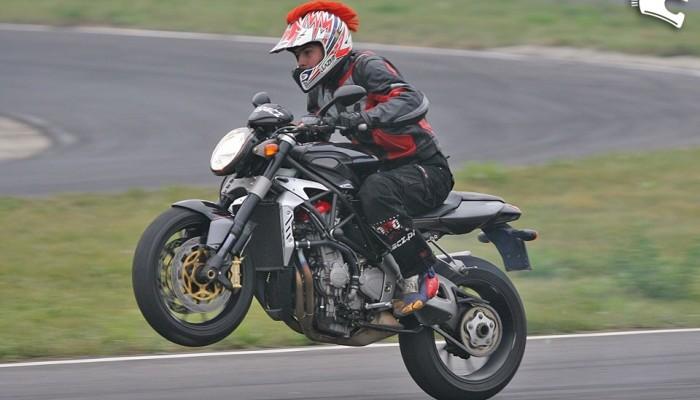 Motocyklem na safari
