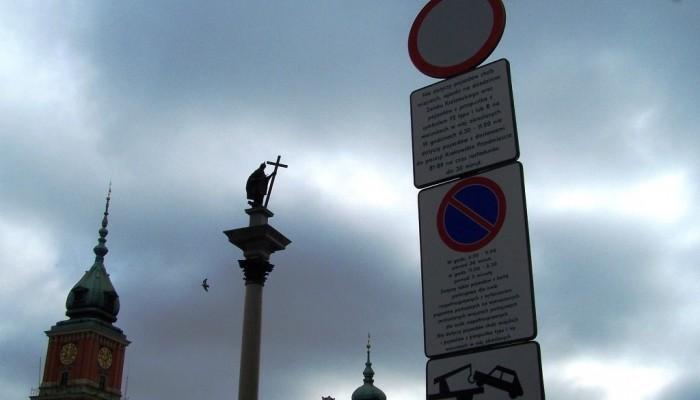 Zakaz postoju motocykli pod Kolumną Zygmunta
