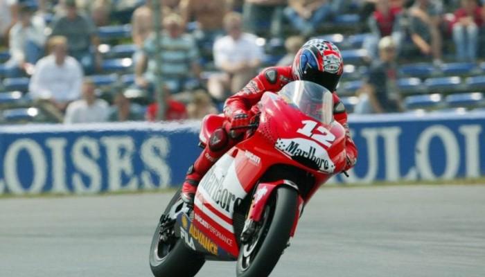 Jakie motocykle startują w MotoGP i według jakich zasad rozgrywane są zawody?