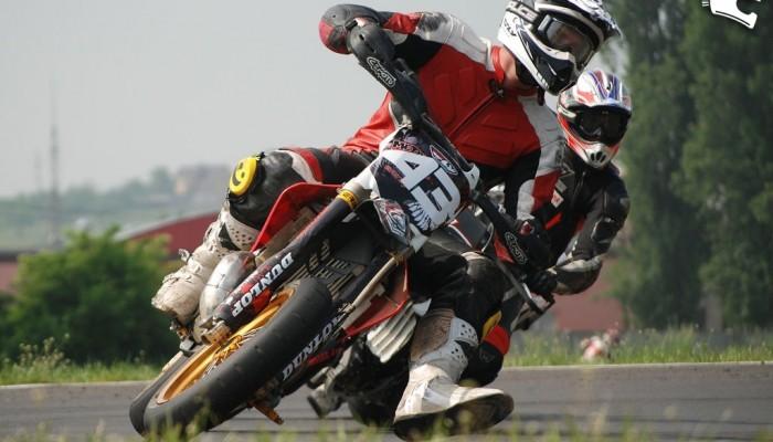 Supermoto w Gostyniu 2011 - Mistrzostwa Polski rozpoczęte