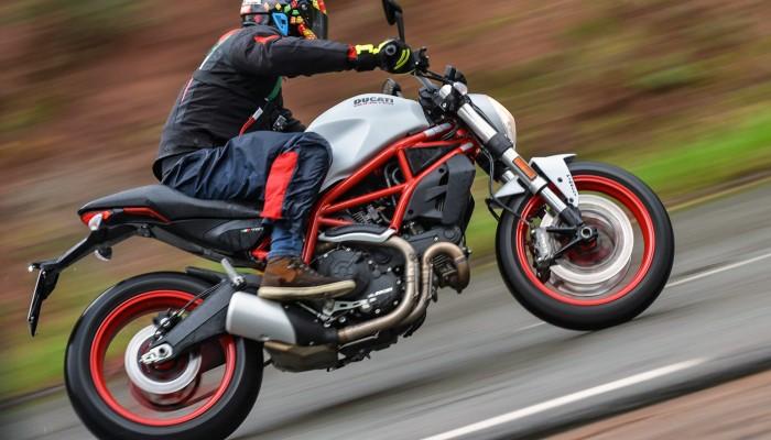 Ducati Monster 797 - włoski przepis na motocykl dla początkujących
