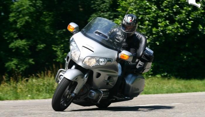 Honda GL1800A Gold Wing 2008 - szosowy Goliat