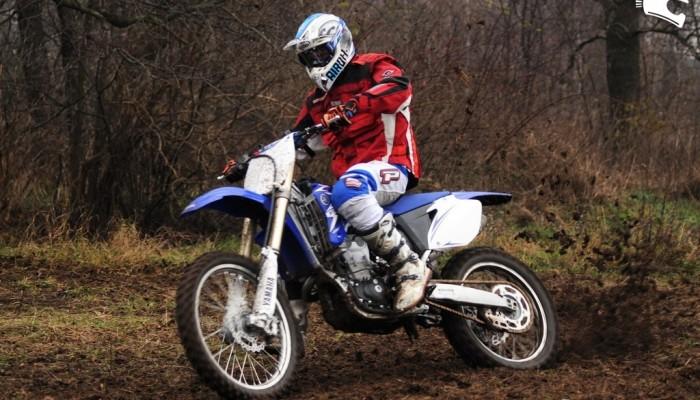 Yamaha YZ 450F 2009 - mnóstwo frajdy, jeżeli masz stalowe nerwy
