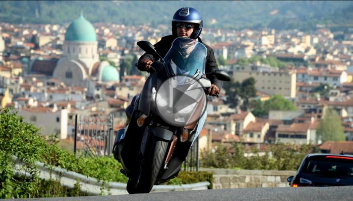 Yamaha X-MAX 300 - wyższy poziom luksusu [video]