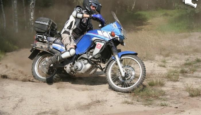 Motocyklem przez Afrykę - trening na piasku