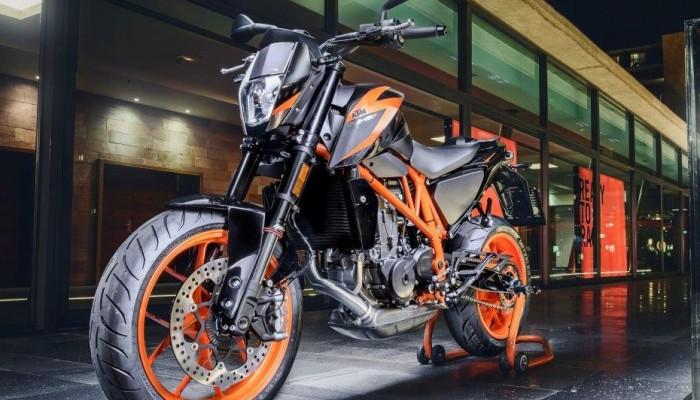 Grudniowe szaleństwo w salonach motocyklowych