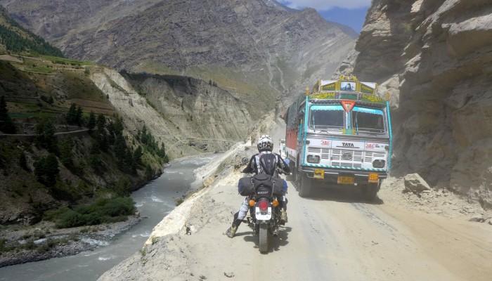 Orlice wyruszają na wyprawę w Himalaje