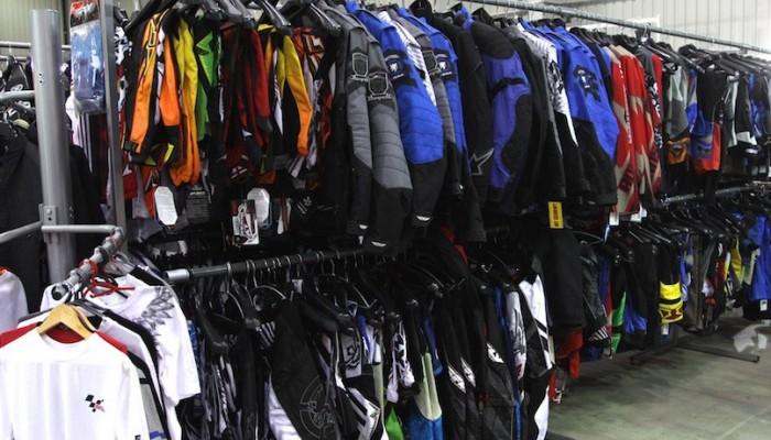 Jakie ubranie na motocykl? Bezpieczna odzież motocyklowa - nowa, czy używana?