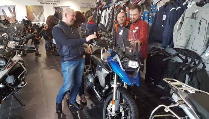 Jak negocjować cenę nowego motocykla? 7 zasad