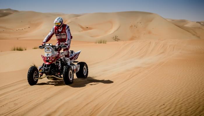Abu Dhabi Desert Challenge: Dwóch Polaków na czele stawki