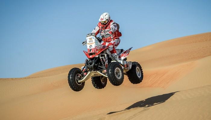 Polski duet na mecie Abu Dhabi Desert Challenge, sukces Wiśniewskiego