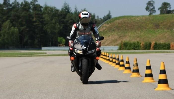 ABS w motocyklu - tak, czy nie?