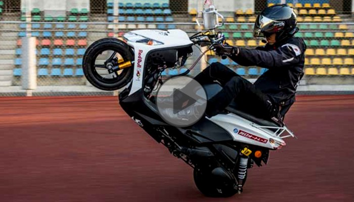 Nowy rekord świata w wheelie - nie uwierzysz, ile przejechał na jednym kole