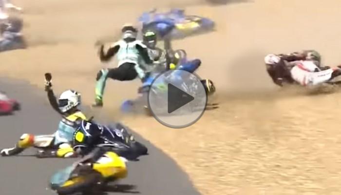 Olbrzymi karambol w Moto3 - wypadek w trakcie GP Francji 2017 na torze Le Mans