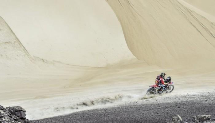 Barreda i Honda prowadzą po starcie Dakaru