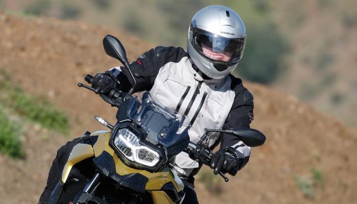 Kurtka motocyklowa Rainers Arrow w jezdzie z z