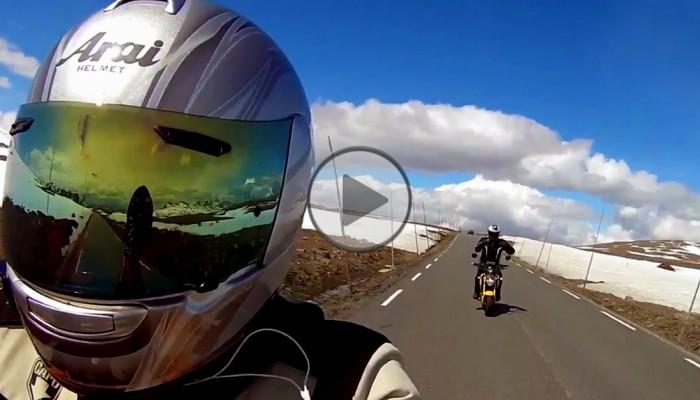 W 10 koni po Norwegii. Dwóch kumpli w epickiej podróży na 125 cm3 [FILM]