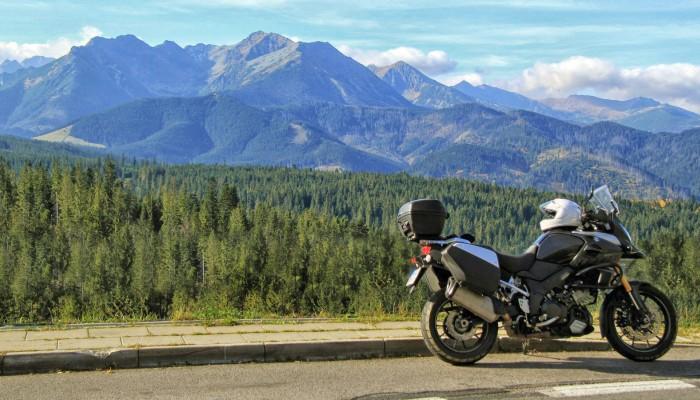 Gdzie na długi weekend? 5 fajnych motocyklowych tras wokół komina