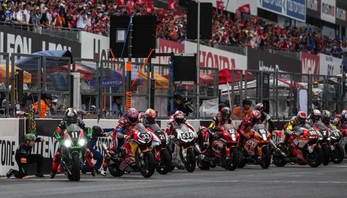 Yamaha Factory Racing Team wygrywa 8 godzinny wyścig na torze Suzuka
