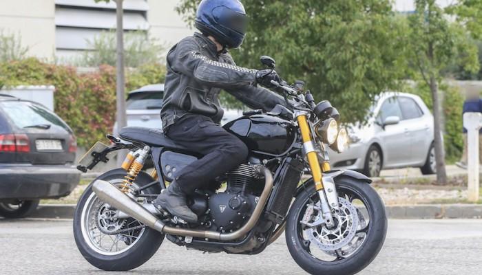 Triumph pracuje nad nowym sportowym motocyklem linii Modern Classic