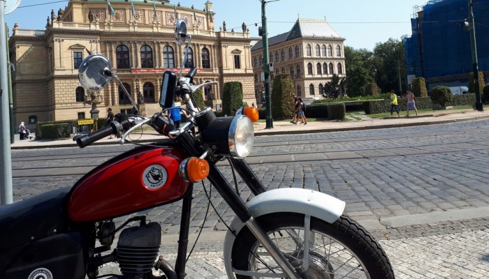 WSK-ą do Berlina i Pragi. Śmiała podróż fana kultowego motocykla