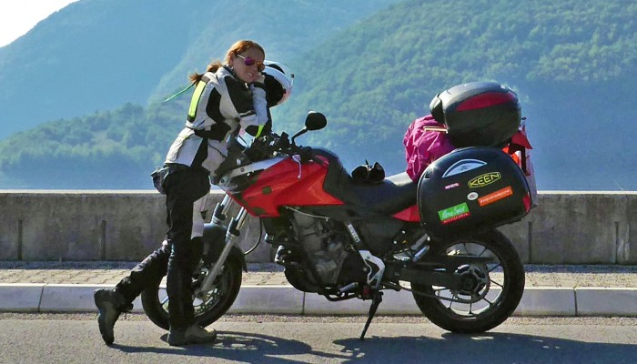 Kobiety na Bałkany! Tess w samotnej motocyklowej wyprawie