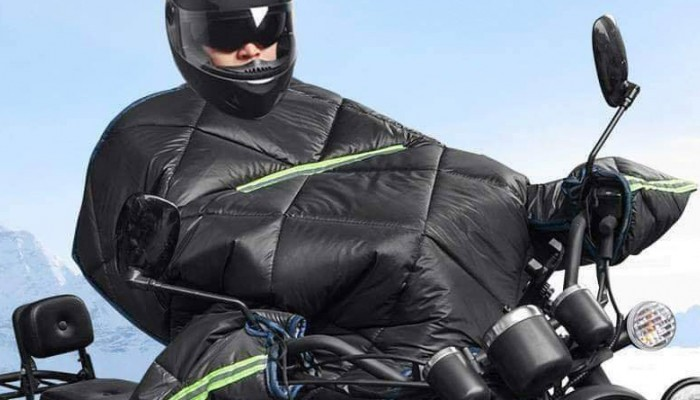 Jazda motocyklem podczas przymrozków. Sposób na korki czy głupota?