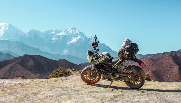 Stłuczka, kradzież, awaria motocykla za granicą. Co robić, na co uważać