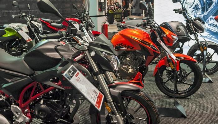 Warsaw Motorcycle Show 2019 Junak 1 z