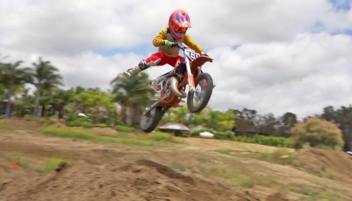 Jaki ojciec, taki syn - trening 9-letniego adepta motocrossu