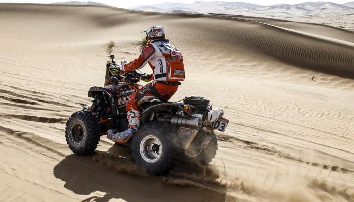 Arkadiusz Lindner uległ wypadkowi podczas przedostatniego etapu Silk Way Rally