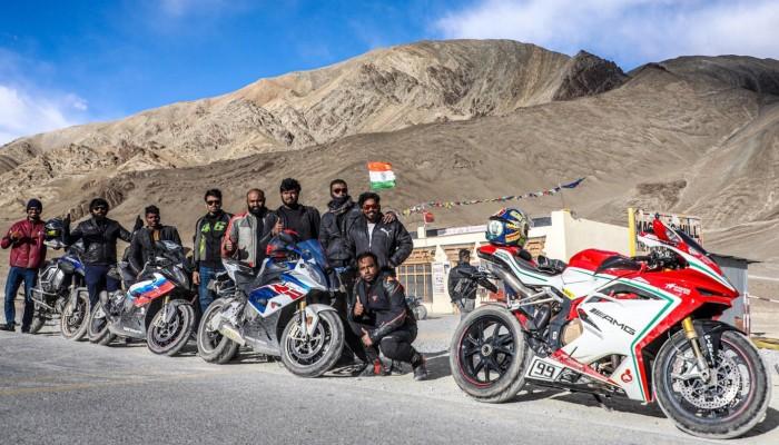 Podróż bez ograniczeń - z południa na północ Indii MV Agustą F4
