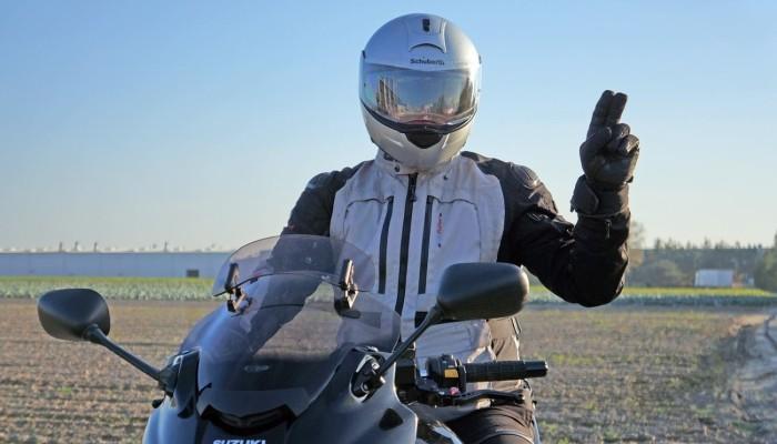 Koronawirus - gdy musisz już wyjść z domu, to pojedź motocyklem!