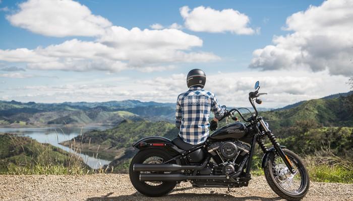 Koronawirus: motocyklem we dwoje, jazda motocyklem w grupach. Czy wolno jeździć, co mówi prawo?