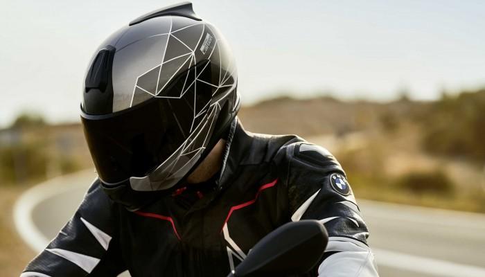 Produkt miesiąca BMW Motorrad - kask System 7 Carbon