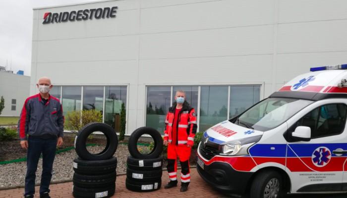 Bridgestone wspiera polską służbę zdrowia i przekazuje opony do karetek