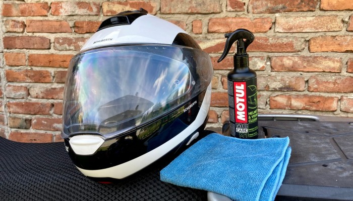 Motul Helmet & Visor Clear - spray do wizjera, bez którego nie wychodzę z domu